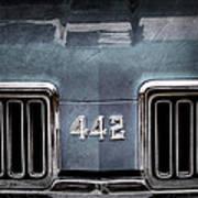 1970 Oldsmobile 442 Grille Emblem Art Print