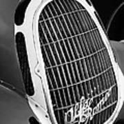 1935 Alfa Romeo 8c-35 Grille Emblem -0006bw Art Print