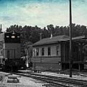 760 Train Engine Passing The Station Sc Textured Art Print