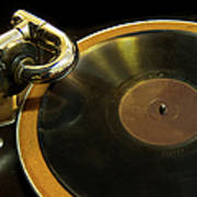 Antique Phonograph With A Record Art Print