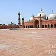 Badshahi Mosque In Lahore Pakistan Art Print