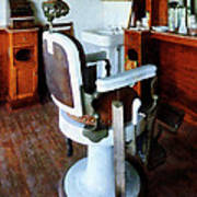 Barber - Barber Chair And Cash Register Art Print