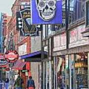 Beale Walk Print by Suzanne Barber