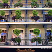 Beautiful Hotel In New Orleans Art Print
