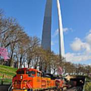 Bnsf Ore Train And St. Louis Gateway Arch Art Print