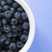Bowl Of Blueberries Print by Steven Raniszewski