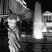 Caesars Fountain Bw Art Print
