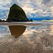 Cannon Beach With Storm Clouds In Oregon Coast Art Print