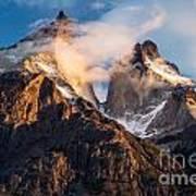 Cuernos Del Paine At Sunrise Art Print