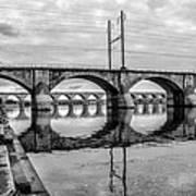 Cv - Susquehanna River Bridge Harrisburg  Pennsylvania In Black  Art Print