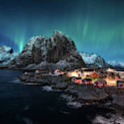 Dancing Over Hamnoy Art Print