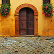 Door And Flowers In A Tuscan Courtyard Art Print