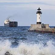 Duluth N Pierhead And Ship 1 Art Print