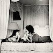 Elizabeth Taylor With Her Daughter Art Print