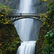 Fall At Multnomah Falls Art Print