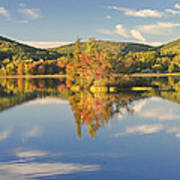 Fall Landscape On Flying Pond In Vienna Maine Art Print