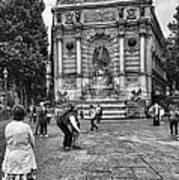 Fontaine Saint Michel Art Print