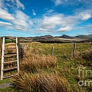 Gateway To The Mountains Art Print