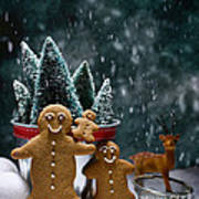Gingerbread Family In Snow Art Print