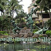 Hawaiian Hilton Statues Art Print