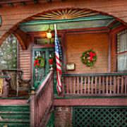 House - Porch - Metuchen Nj - That Yule Tide Spirit Art Print by Mike Savad
