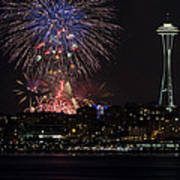 July 4th Fireworks In Seattle Print by Yoshiki Nakamura