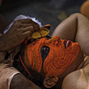 Kerala - A Theyyam-dancer Receives The Ornamental Face-painting Art Print