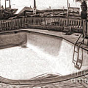 Kiva Motel -  Empty Pool Art Print