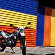 La Motocicleta Art Print