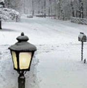 Lamppost In Snow Art Print