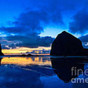 Last Light - Cannon Beach Sunset With Reflection In Oregon The Coast Art Print