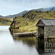 Llyn Dywarchen Boathouse Art Print