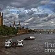 London's Thames River Art Print