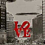 Love Sculpture - Philadelphia - Bw Print by Lou Ford