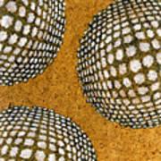 M U M 2 - Bulge Dots Art Print
