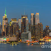 Manhattan Twilight IIi Art Print by Clarence Holmes
