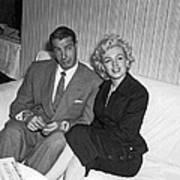 Marilyn Monroe And Joe Dimaggio Art Print