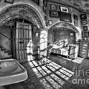 Master Bedroom At Fonthill Castlebw Art Print