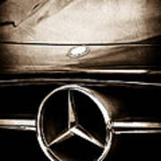 Mercedes-benz Grille Emblem Art Print