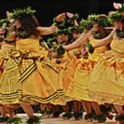 Merrie Monarch Hula Dancers In Yellow Dresses Art Print