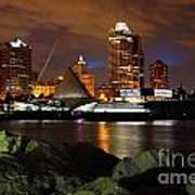 Milwaukee Skyline At Dusk Art Print
