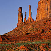 Monument Valley - The Three Sisters Art Print
