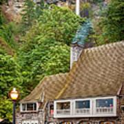 Multnomah Falls Lodge Art Print