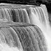 Niagara Falls In Black And White Art Print