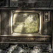 No One's Watching - Vintage Television In An Old Barn Art Print