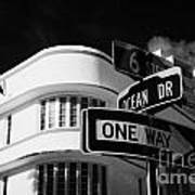 Ocean Drive And 6th Street In The Art Deco District Of Miami South Beach Florida Usa Art Print by Joe Fox