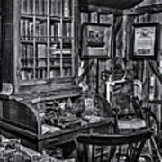 Old Fashioned Doctor's Office Bw Art Print