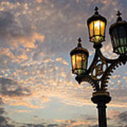 One Light Out - Westminster Bridge Streetlights - River Thames In London Uk Art Print