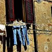 Out To Dry In San Gimigniano Tuscany Art Print