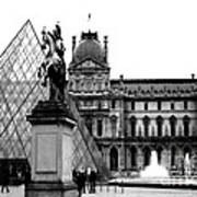 Paris Black And White Photography - Louvre Museum Pyramid Black White Architecture Landmark Art Print